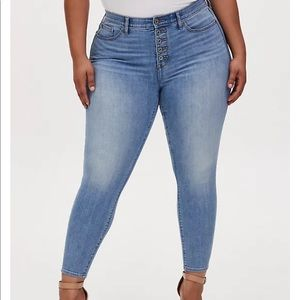 Torrid sky high skinny jeans light wash, button fly.  Size 22R